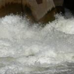 Descarga compuerta Puente Dique - Punto Unido